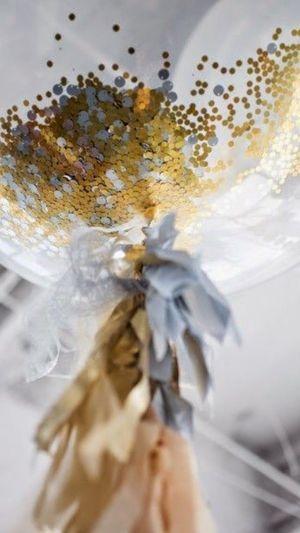 Glitter inspiration #glitter #wedding #gold #sparkle #ideasforyourwedding #kissesandcake #inspired #bridetobe #weddingplanning See more @ http://www.kissesandcake.com.au/blog-themes/2014/12/15/glitter-it-up