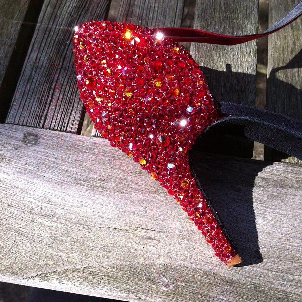 """@_missmiranda's photo: """"Not too shabby!! That's one heel done.. Now to finish the other... :p I like crystalling in the garden!! #burlesque #swarovski #crystal #heels"""""""