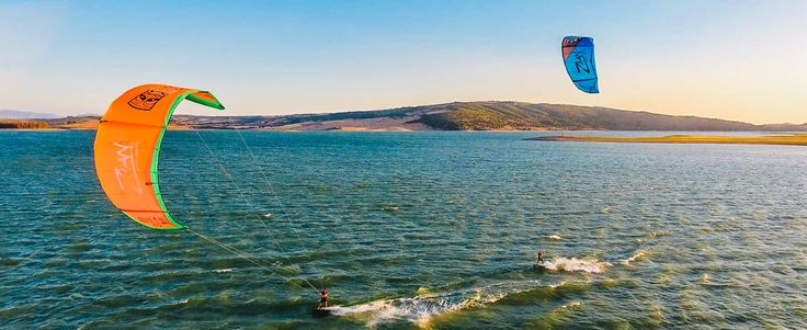 Kiteboarding in Tarifa Spain and Morocco    Welcome to the home of Free your Mind kiteboarding, travels and events. We are a official VDWS and IKO kitesurfing school in Tarifa.