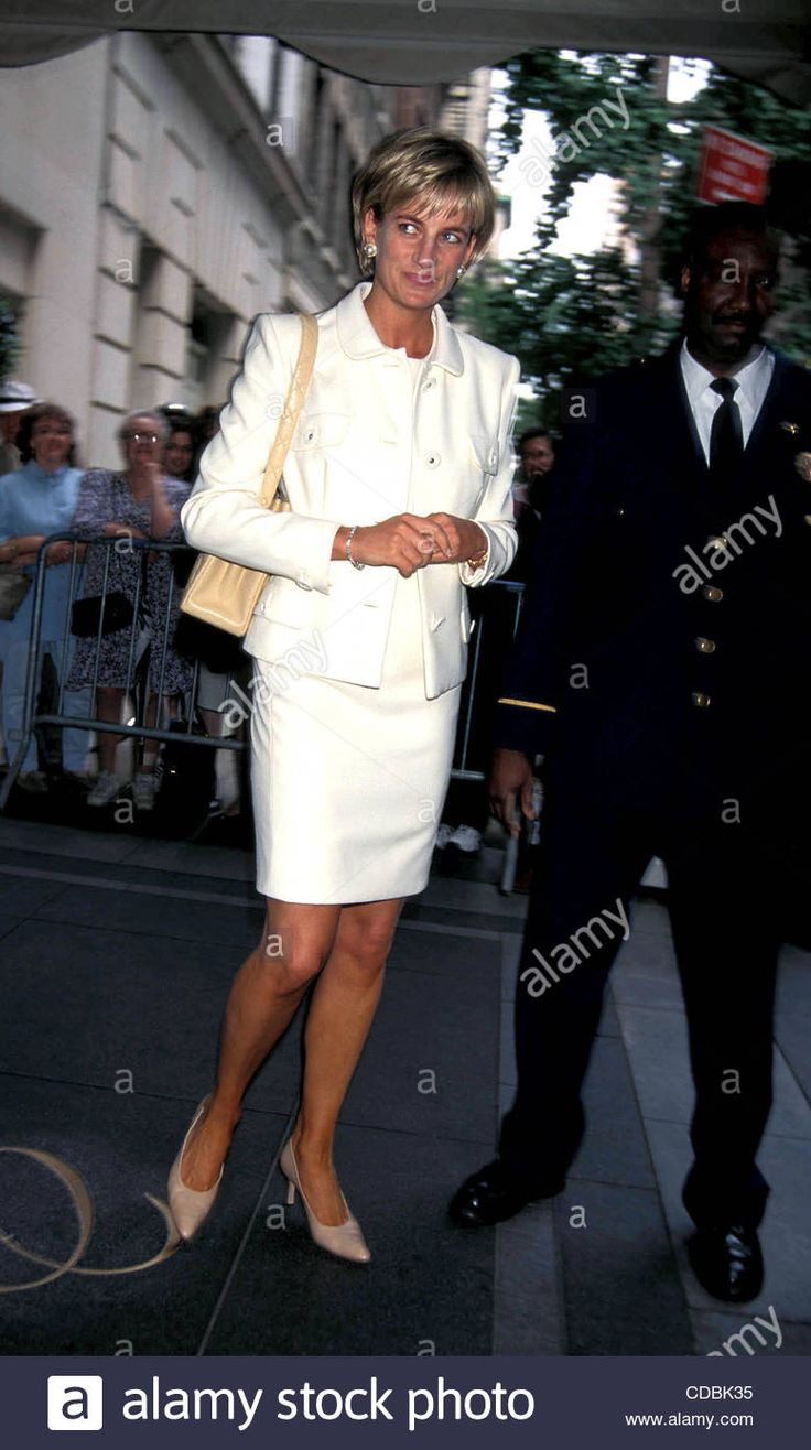 1997: PRINCESS DIANA AT CARLYLE HOTEL, NYC | Stock Photo - K9140AR SD6/24 | PRINCESSDIANARETRO(Credit Image: © Andrea Renault/Globe Photos/ZUMAPRESS.com