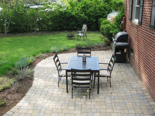 I like the curve in the pavers!