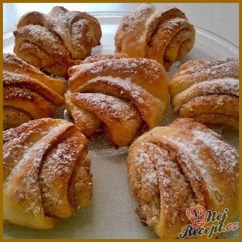 Chutné, ořechově - skořicové turecké koláče. Kombinovat je můžete s různými náplněmi, na které máte chuť. Mňam! Autor: Lacusin