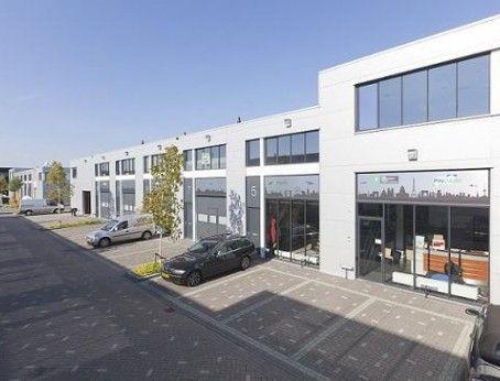 Bedrijfsruimte met kantoor huren in Rotterdam? Bekijk hier deze zeer representatieve, multifunctionele unit behorend tot het FLIGHTPARK bedrijvencomplex!  http://www.huurbieding.nl/huur/bedrijfsruimte/1-01152/rotterdam/kranebittenbaan-5-13.html  #Bedrijfshal #Bedrijfsruimte #Bedrijfspand #Kantoorruimte #Kantoor #Huren #Tehuur #Rotterdam #Rijnmond #010 #ZuidHolland #RotterdamTheHague #Airport #Bedrijvencomplex #Flightpark #Direct#Beschikbaar #Ondernemers #MKB #Bieden #Huurprijs #Huurbieding
