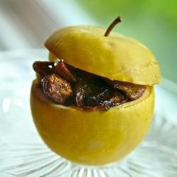 Куриная печень с яблоком (Chicken livers with apples)