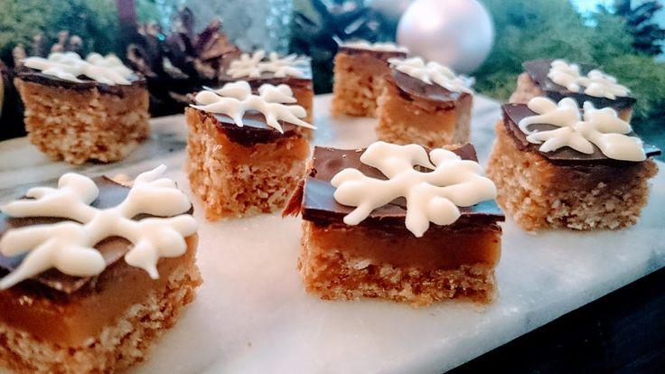 MUMS siger jeg bare! Hvis du kun har planer om at bage én kage her til jul, så skal duhelt klartprøveat lave den her! Den smager helt fantastisk! Sød fastbund, med blød karamel i midten og mørk chokolade på toppen – det spiller MAX, altså hvis du spørg mig. Sådan gør du – trin forContinue Reading