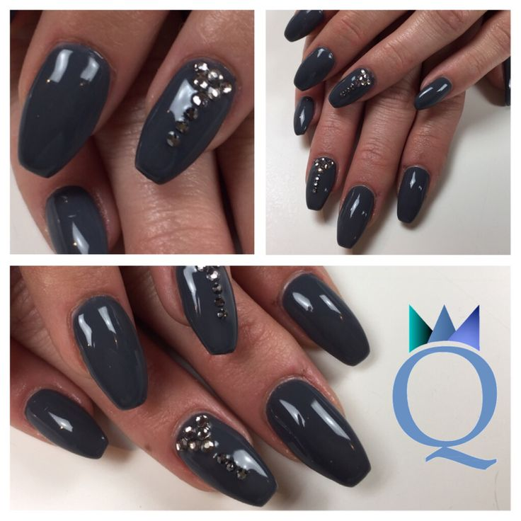 #coffinnails #ballerinashape #gelnails #nails #darkgrey #stones #ballerina #form #gelnägel #nägel #dunkelgrau #steinchen #nagelstudio #möhlin #nailqueen_janine
