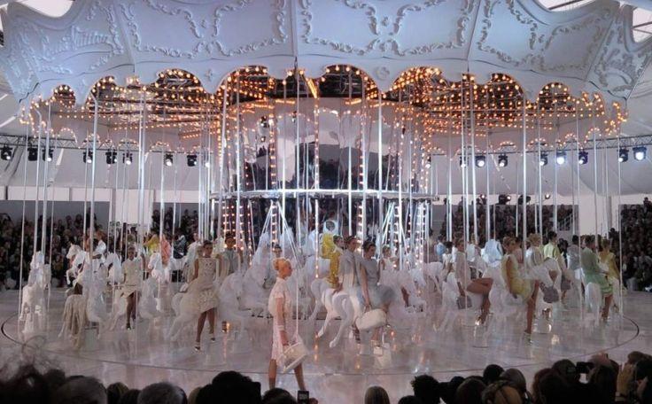 Magical fashion shows: Louis Vuitton, 2012