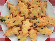 Weihnachtliche Parmesan-Oliven-Plätzchen