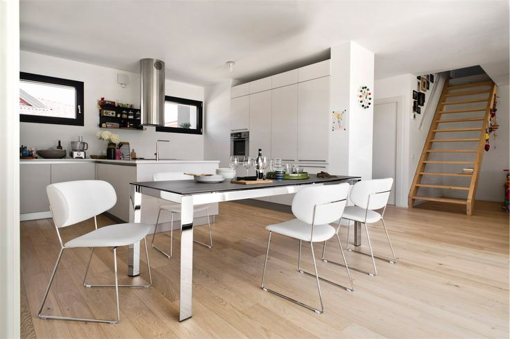 Calligaris | Duca Extending Dining Table | Available in a number of sizes and finishes.