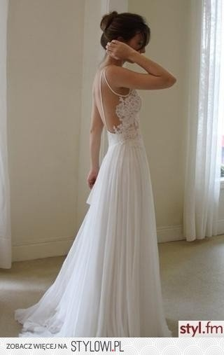 floaty wedding dress - my dream wedding dress This is quite beautiful...option to the strapless dress which I think looks a little heavy for a summer/beach wedding