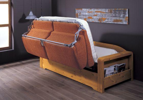 #Divano in legno di pino, che con pratico meccanismo si trasforma in letto. #Arredamento in pino per ogni esigenza di spazio. #mobili #arredamenti Demar Mobili. www.demarmobili.it