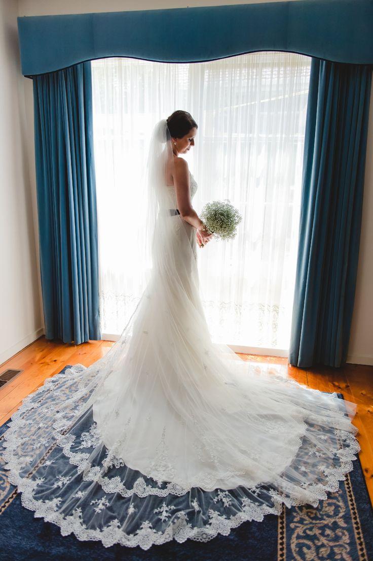 Luna Novias Irlanda  Wedding Dress on Sale 88% Off