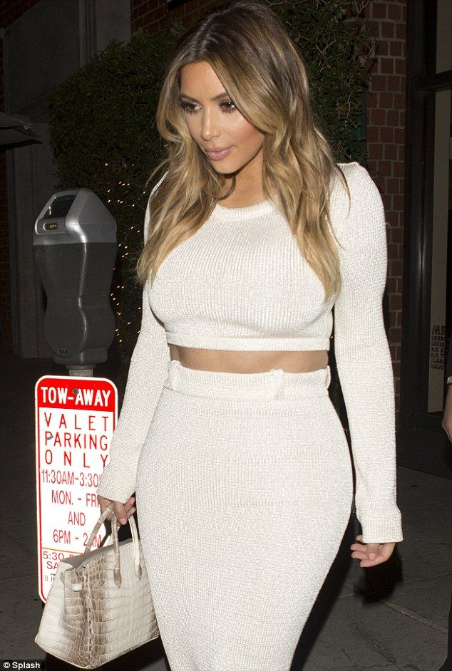 Double Take: Kim Kardashian vs. Khloe Kardashian in Calvin Klein [Photos] - B. Scott | Celebrity Entertainment News, Fashion, Music and Advice
