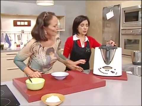 ▶ Merengue suizo y espuma de frutos rojos - Recetas de Thermomix España - YouTube