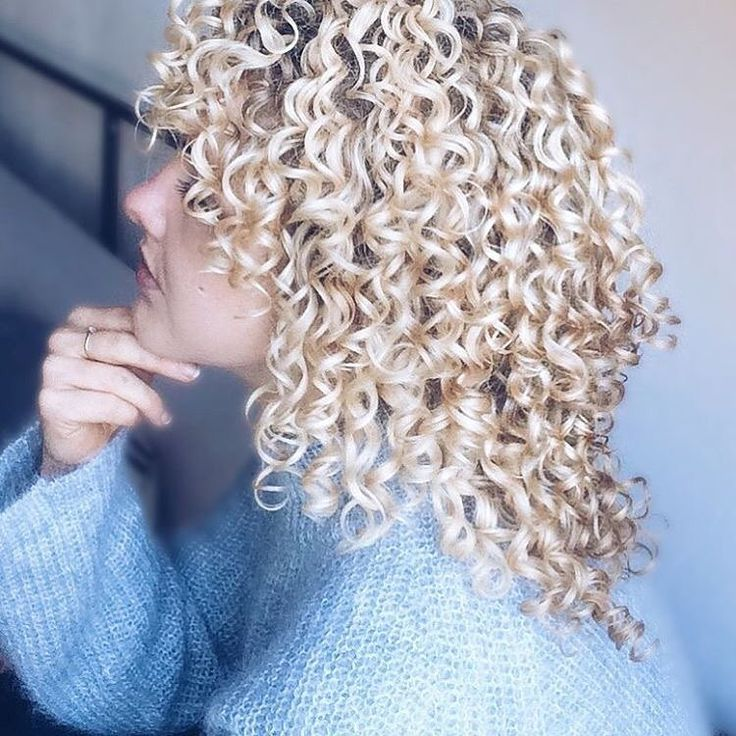 @artnaturals • Instagram photos and videos | Curled hairstyles for medium hair, Permed ...