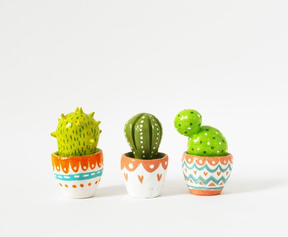 Cactus sculpture - Gift for gardeners- Hand sculpted miniature plant