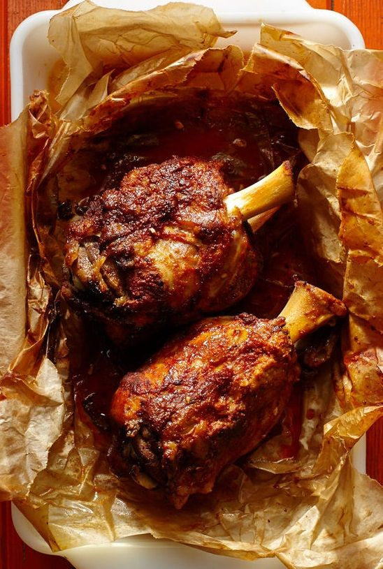 CHILEAN SPICE-RUBBED PORK SHANK [Chile] [saveur]
