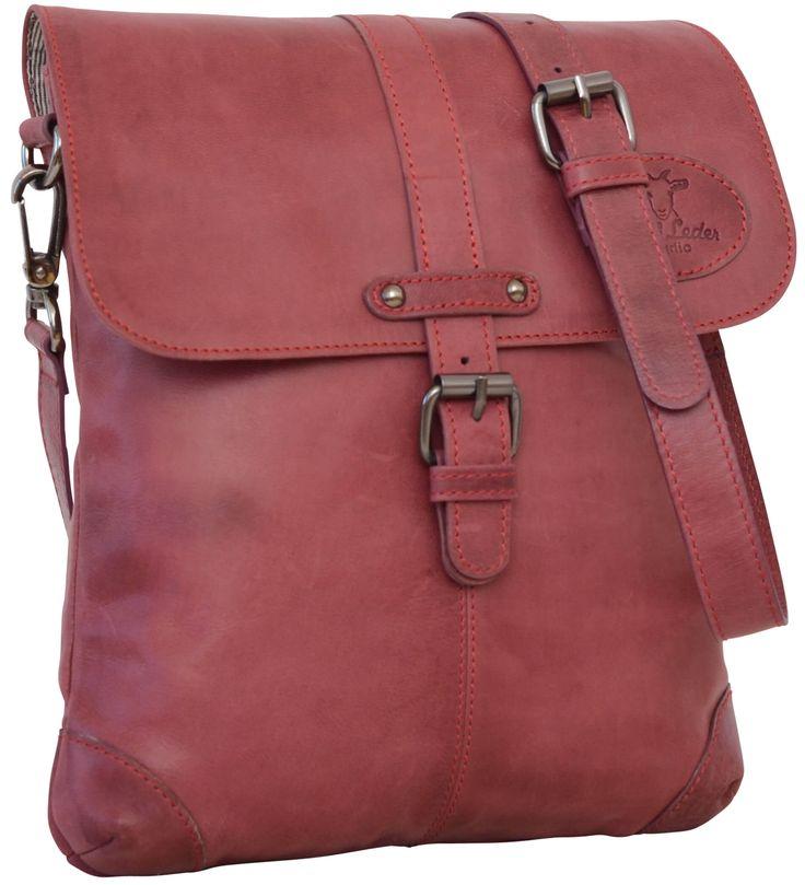 Die Handtasche 'Freesia' aus Ziegenleder überzeugt mit Qualität, Optik und Handhabung. Im trendigen Rot ist sie für den Stadtbummel, den Spaziergang oder den City-Trip das perfekte Accessoire. Gusti Leder - 2M46-29-3