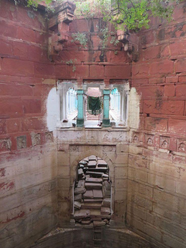 Indaravali Baoli(ラジャスターン州、フェイプール・シクリ、16世紀 ) インドにある地下深くへと続く美しい階段。その正体とは?