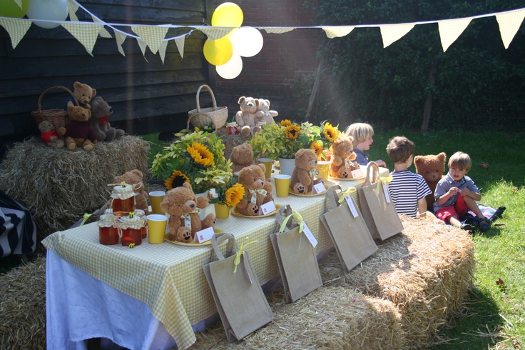 teddy bear picnic table centerpieces and tablescapes
