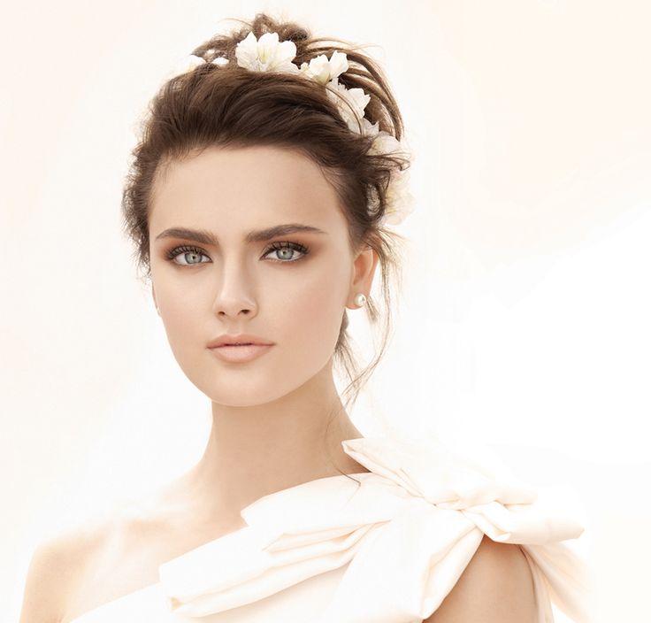gold and green wedding makeup | Wedding Makeup: How to Hide Dark Under Eye Circles or Eye Bags | Bride ...