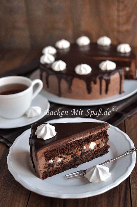 Schoko- Baiser- Torte mit getrockneten Pflaumen