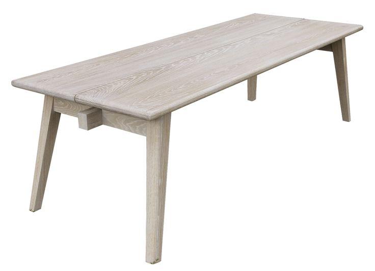 20-vuotis juhlavuotemme kunniaksi suunniteltu, 2000-luvun pirtinpöytä. Istuimiksi pöydän ympärille istuvat hyvin esimerkiksi Wishbone- tai Domus-tuolit. Suunnittelijat: Jussi Sutela ja Sinikka Aukee