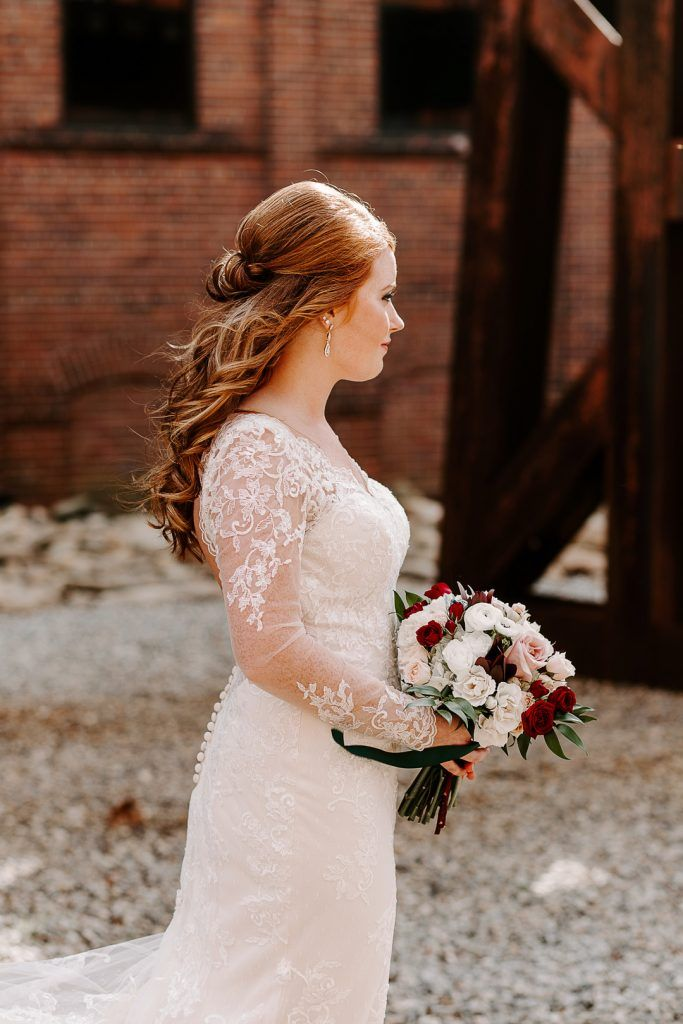 Heather Zac Wedding Columbus Trade Center Columbus Ga Us Wedding Dresses Lace Wedding Flowers Bridal Bouquets Lace Weddings