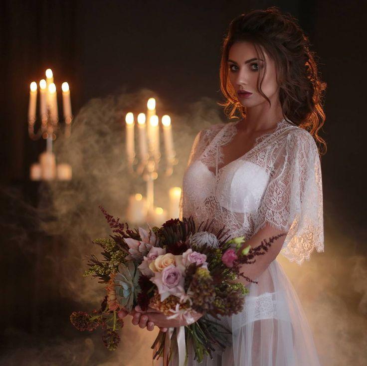 Не словом, а делом рассказываем и показываем свадебные тренды. Фотограф:@shuvaevmediaphoto Платье:@melanie.salontula Прическа и Макияж:@shegay_elena Декор:@studio_kolibri71 На фото:@lenochkabakhlina #фотопроект_melanietula#красиваясвадьба#свадьба#свадебныйдень#свадебныйдекор#фотографТула#свадьбавТуле#невеста#жених#образневесты#образжениха#weddingday #weddingdecor#bride#groom#bridalstyle #weddingdress#melanietula#shuvaevmedia #weddinginspiration#magic…