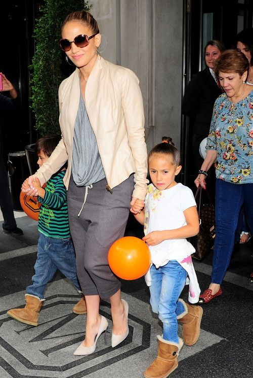 ジェニファー・ロペスに学ぶサルエルパンツの着こなし♪40代アラフォー女性におすすめのサルエルパンツ♡