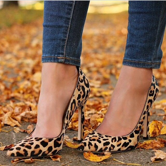 Leopard print pumps- a must-have that I do not have right now.