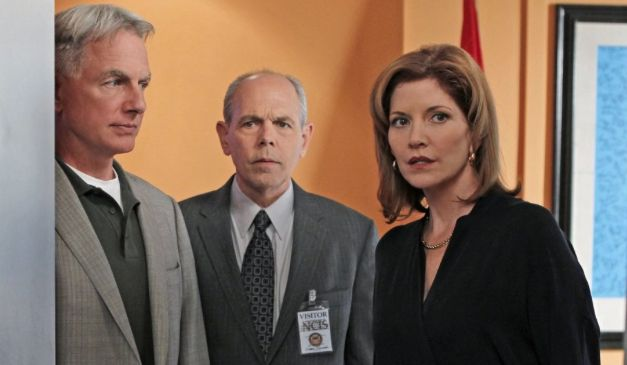 Screenshot of Mark Harmon as Gibbs, Joe Spano as Fornell, Melinda McGraw as…