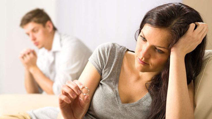 Vorsicht, Verliebte! Der Zeitpunkt für die Eheschließung kann verpasst werden, sagen Paar-Experten. Lesen Sie hier die Alarmzeichen.