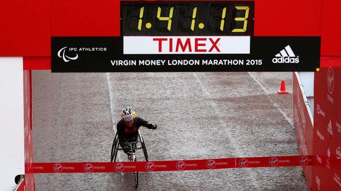 Tatyana McFadden gana maratón en silla de ruedas de las mujeres - ITV News