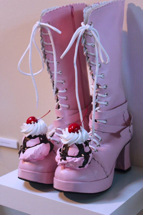 yes! yes! yes! ice cream boots!  I wonder if I could get these in the girls size?!?  This would be a cute idea for a themed birthday party, dress up day, or Halloween!