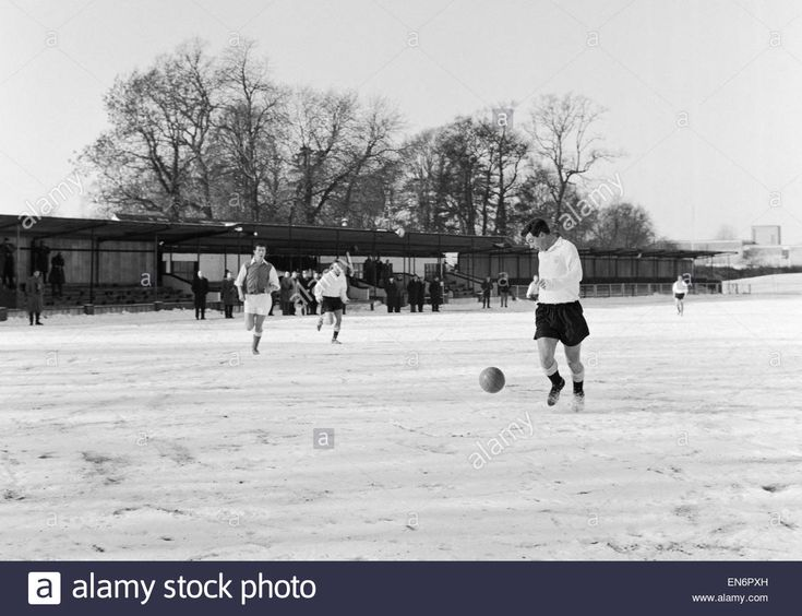 22nd January 1963. Fulham's Johnny Haynes training with the Reserves at Leatherhead FC in the snow.