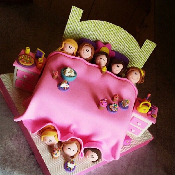 Pijama party cake / pijamada / I&M cakes