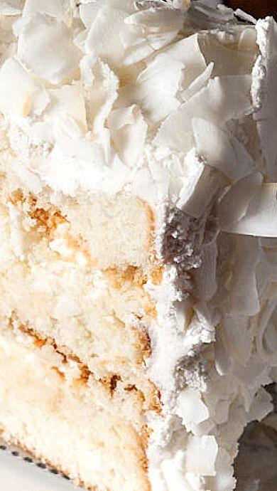 Christmas Coconut Cake ❊