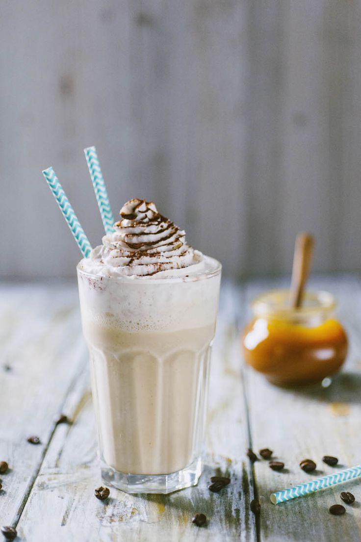 Frappè al cappuccino: Il #frappè al #cappuccino è una deliziosa e irresistibile #merenda, cremosa e ricca di #caffè e #caramello. Provalo per conquistare una persona speciale!