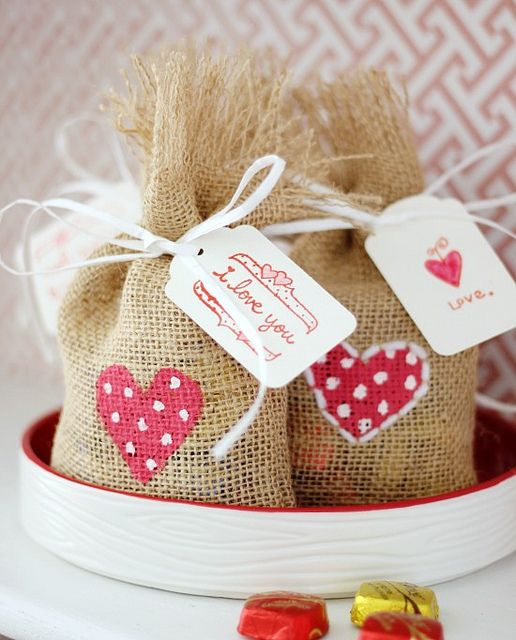 Hi Sugarplum | Burlap Valentine Treat Bags by hi sugarplum!
