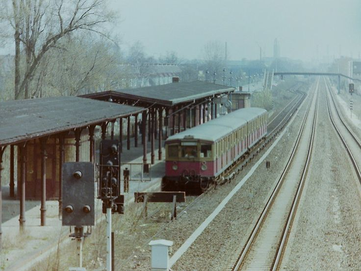 1978 Nahe an der Grenze S-Bahnhof Berlin-Staaken