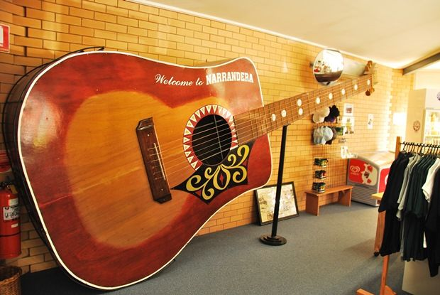 Weird World Records - Largest Acoustic Guitar | The Travel Tart Blog