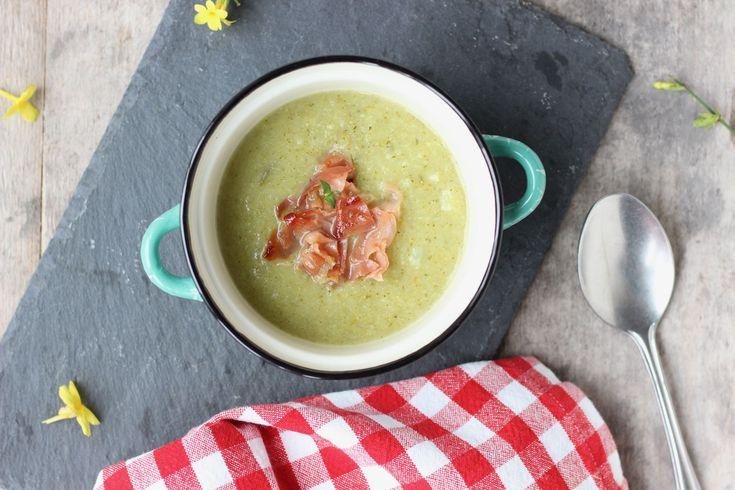 Recept voor courgette-broccolisoep | eethetbeter.nl