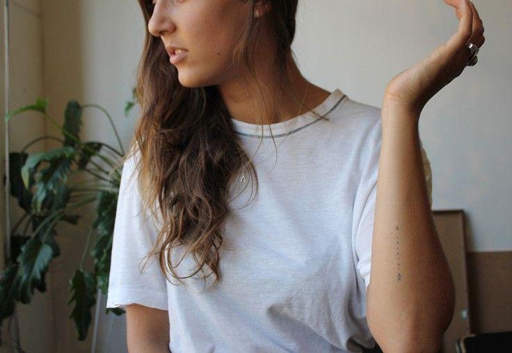 50 beautiful minimalist and tiny tattoos from geometric shapes to linear patterns | Stylist Magazine