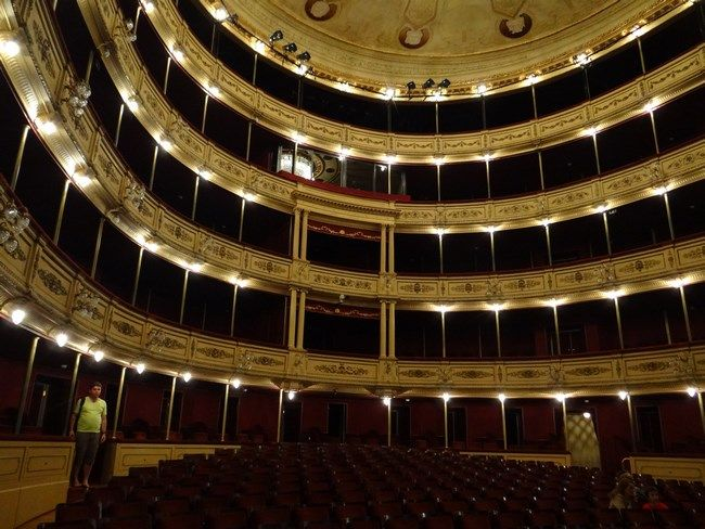 Historical Theater of Montevideo.  Read more: http://www.imperatortravel.ro/2016/02/destinatii-latino-americane-air-france-montevideo-mi-a-adus-aminte-de-bucuresti.html