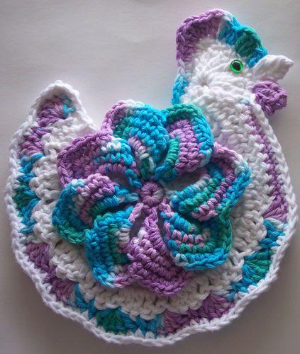 free chicken crochet patterns | Crocheted Chicken Potholder Made From Cotton Yarn