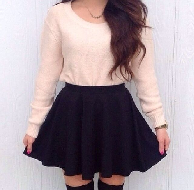 Simple pink and black coord, with knee-high socks. Super simple and adorable.