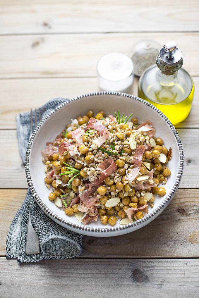 farro salad with oven roasted chickpeas, rosemary, almonds and speck (smoky prosciutto) by www.pane-burro.blogspot.it