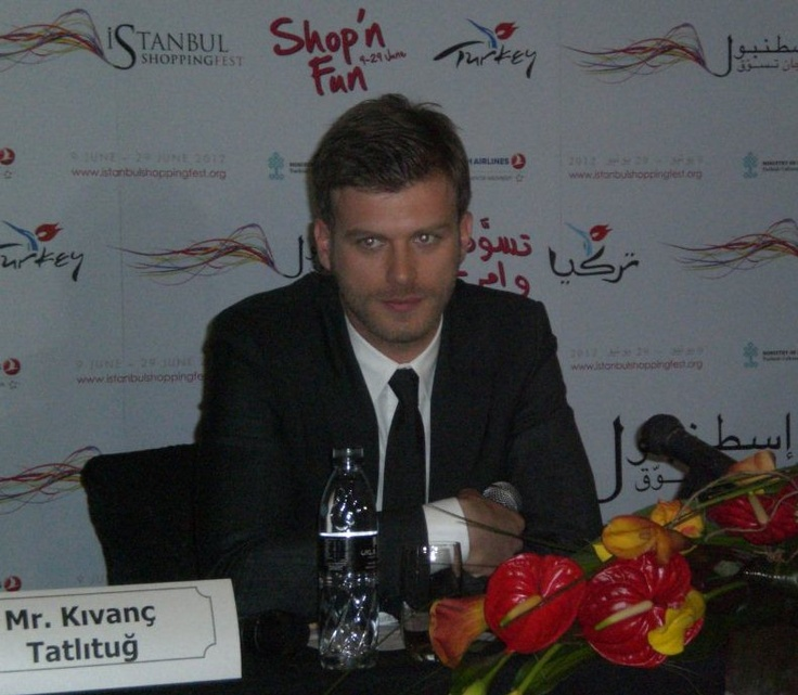 Kıvanç Tatlıtuğ at Dubai press conference...