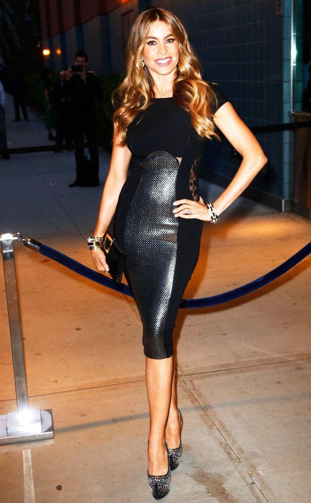 Sofía Vergara flaunts her curves in black leather!  69ca6bca8c
